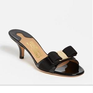 New FERRAGAMO Black Patent Logo Bow Slide Sandal 8